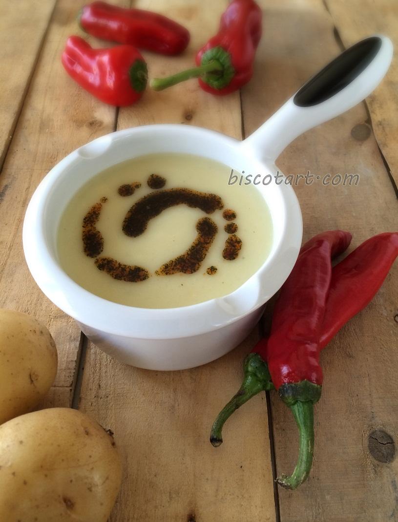 شوربة كريم البطاطا ( شوربة البطاطا بالحليب )