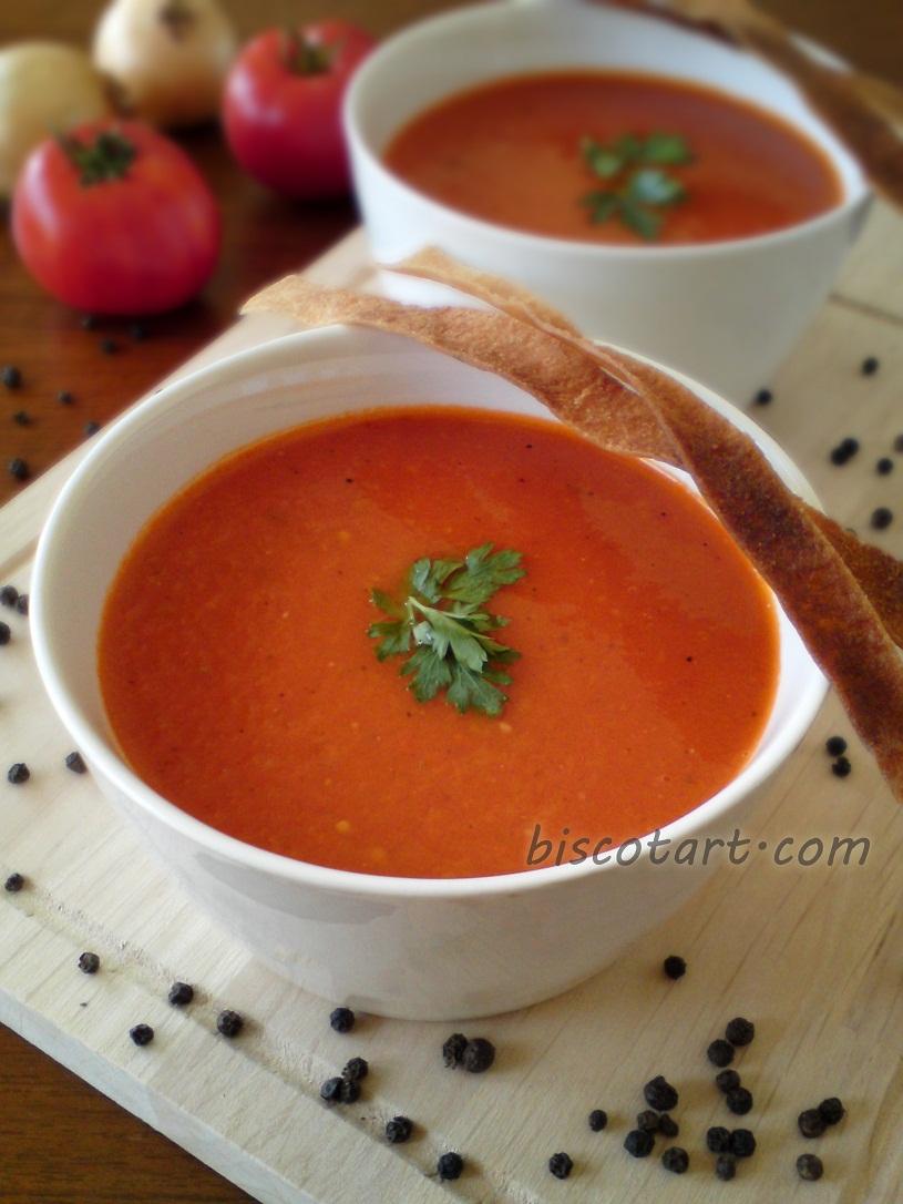 شوربة البندورة ( شوربة الطماطم )