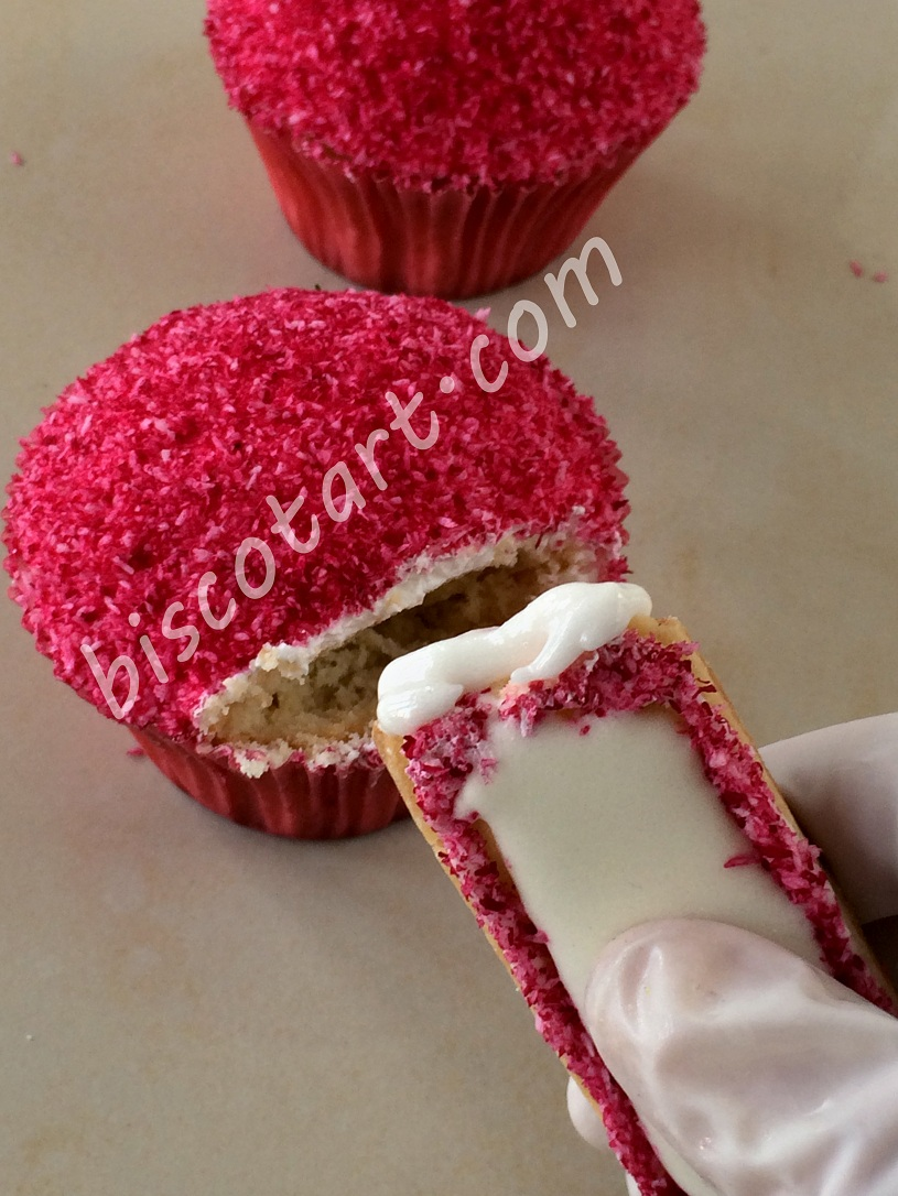 High Heel Cupcakes Step 12
