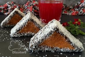 كيك المثلثات بصوص الشوكولا ( وصفة تركية )